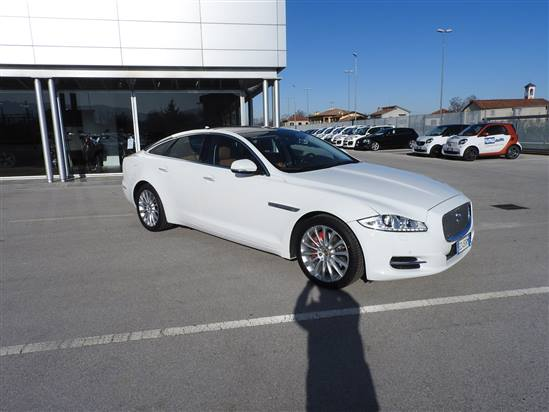 JAGUAR 3.0 D V6 PREMIUN LUXURY